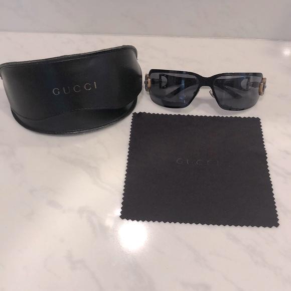 Gucci sunglasses with box